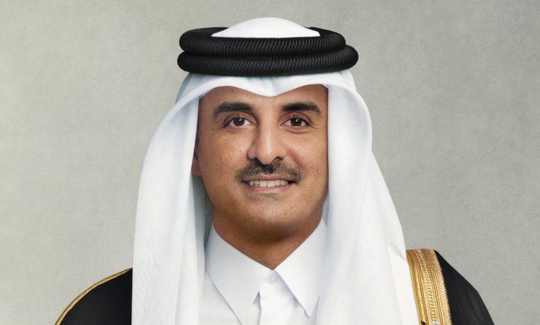 Amir Exchanges Eid Al-Fitr Greetings with Sultan of Oman