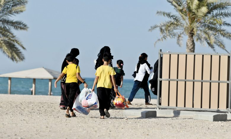 Qatar: A huge turnout on family beaches