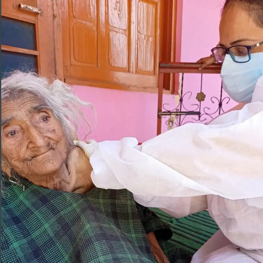 India vaccination campaign: world's oldest person found by chance