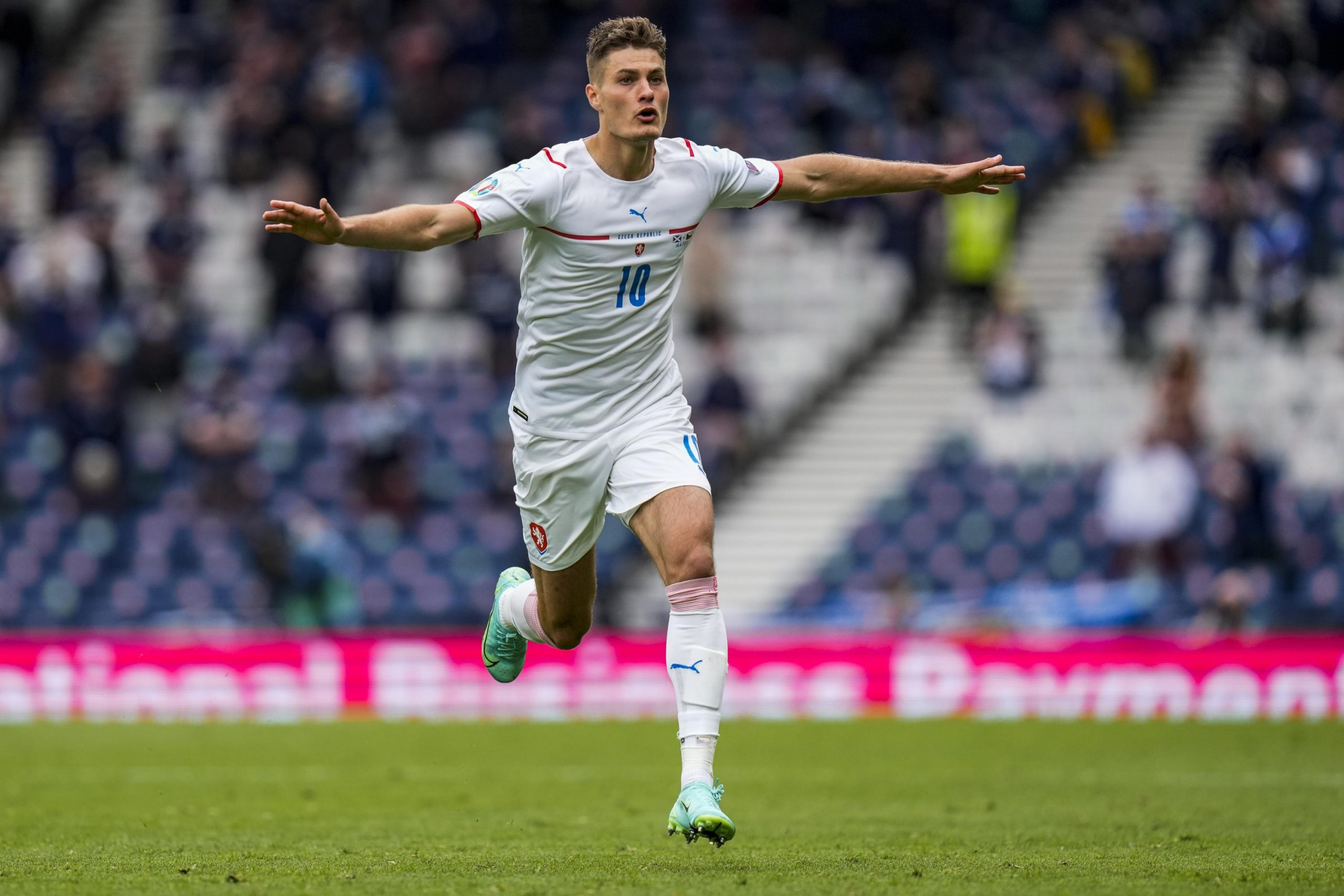 Schick scores from way out, Czechs beat Scots at Euro 2020