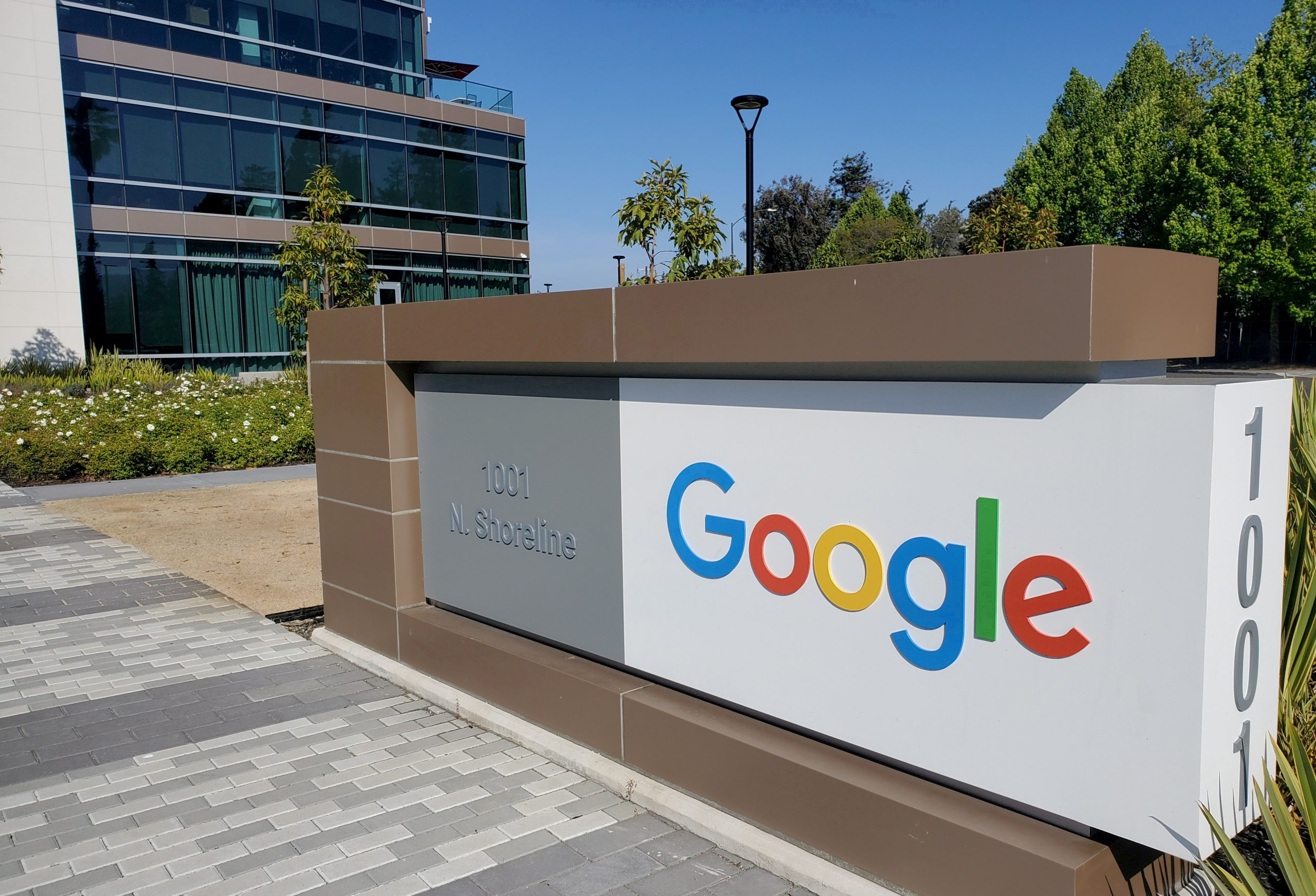 Google's new feature to reduce spreading rumors and misinformation
