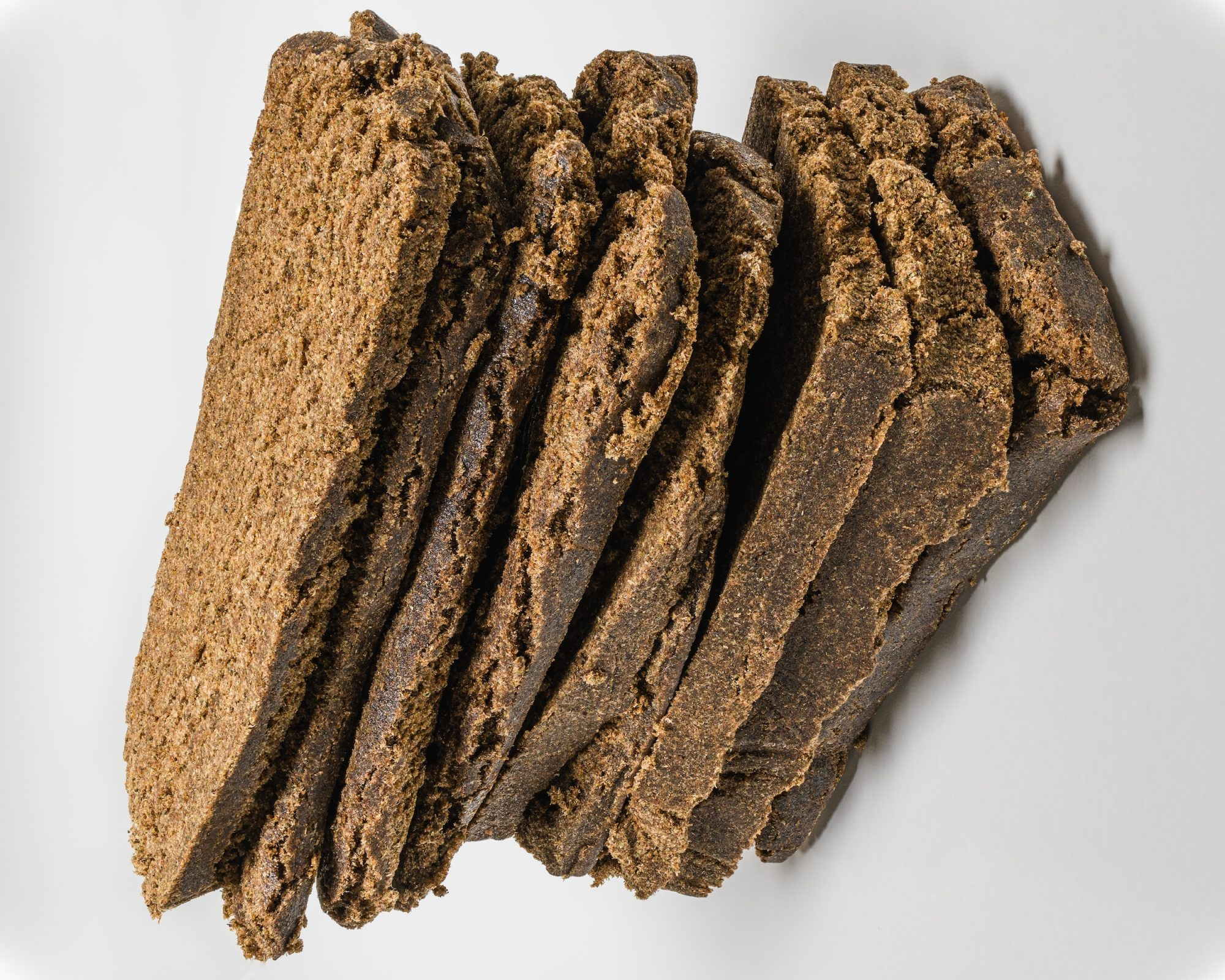 Ruwais Customs thwarts smuggling 4.2 kg of hashish
