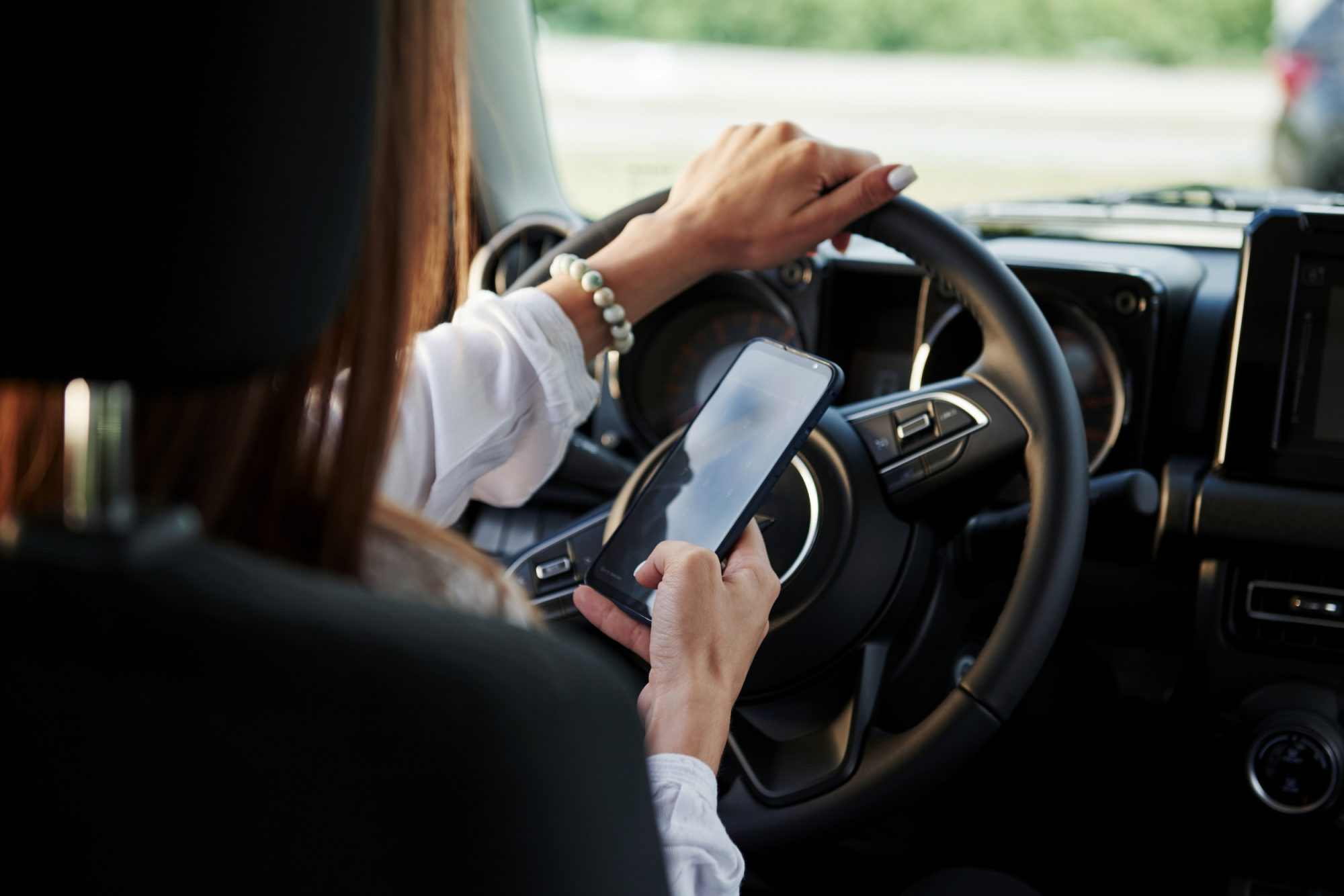 Proposals for heavy penalties for using phone while driving