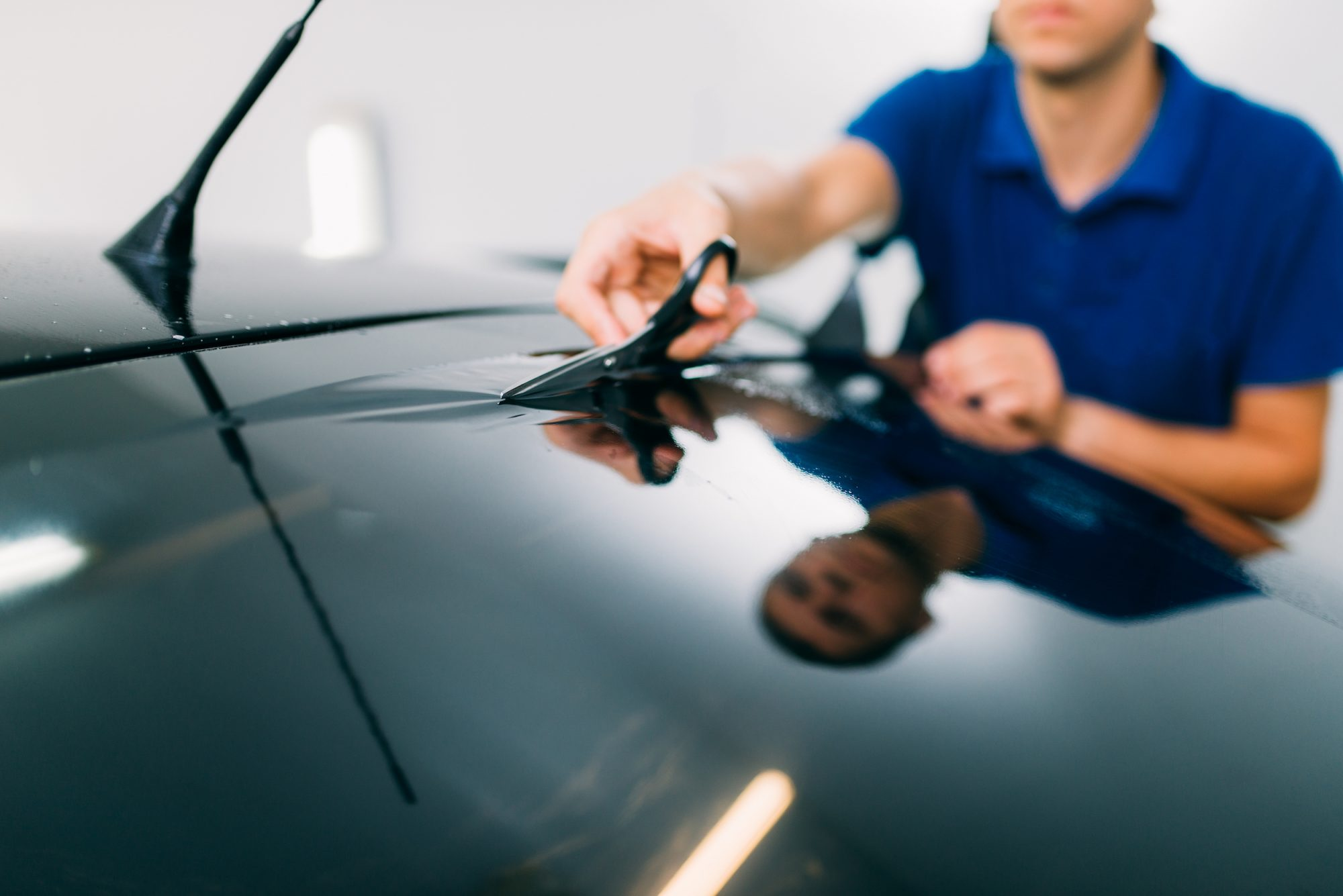 """What is the penalty for colored thermal insulation """"window tint"""" in Qatar?"""