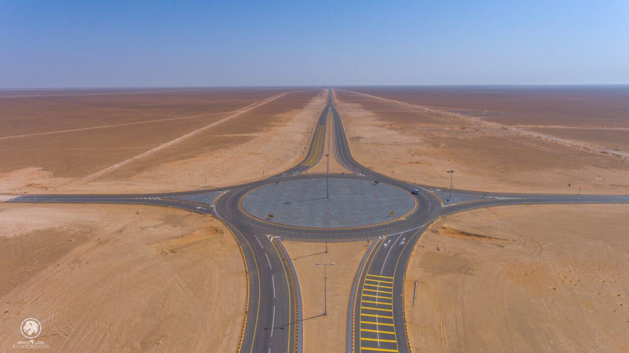 Engineering miracle .. First land route linking Oman to Saudi Arabia