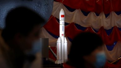 Chinese spacecraft returns to Earth after inaugural flight