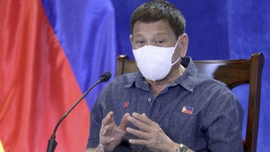Vaccinate anyone who wants a COVID shot, says Philippines' Duterte