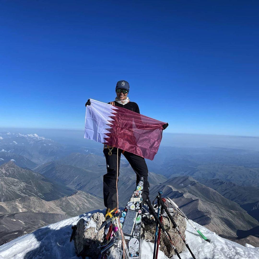 Qatari adventurer scales Mount Elbrus, highest peak in Europe