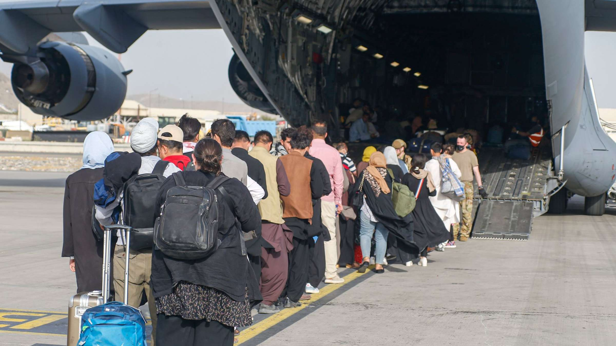 Kuwait Approves Transit of 5,000 Afghan Evacuees to the United States