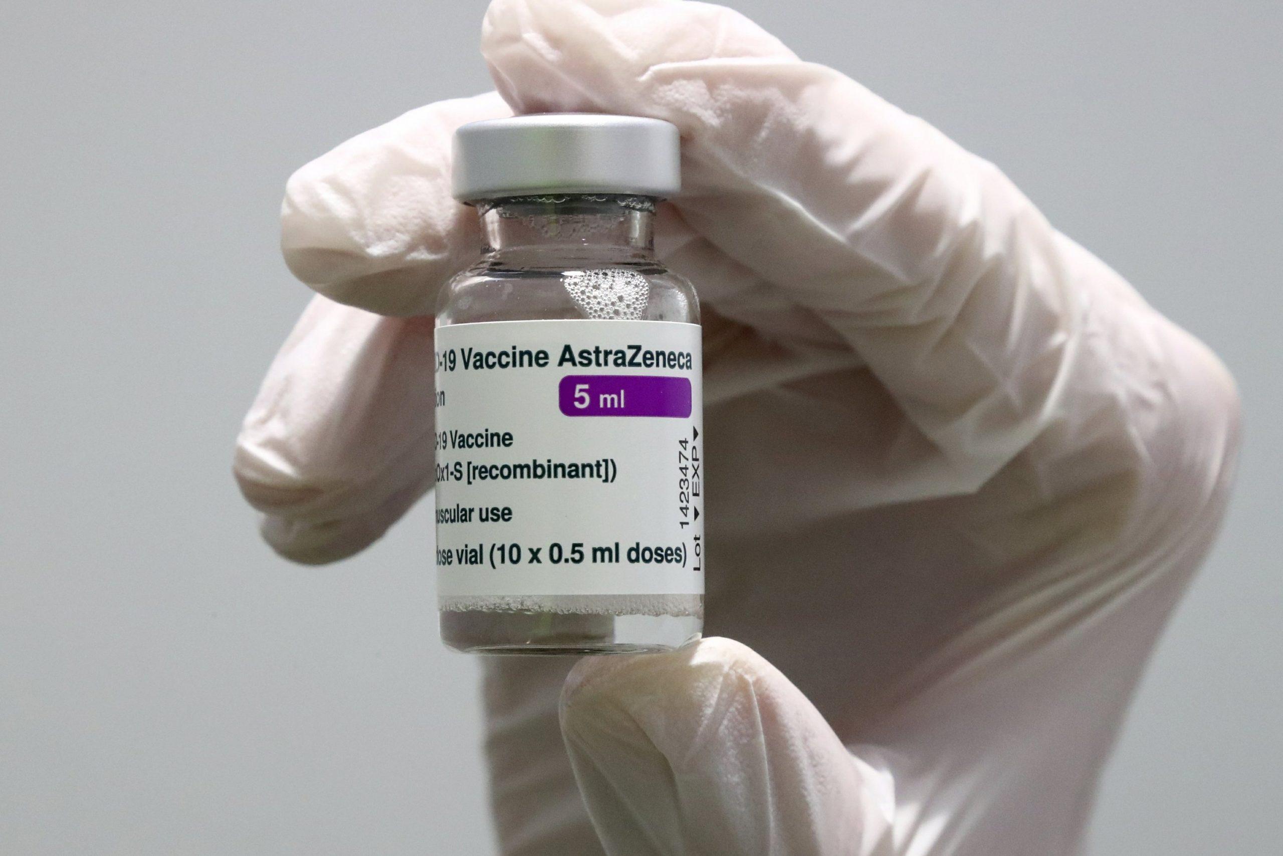 Qatar receives 48k doses of AstraZeneca COVID-19 vaccine