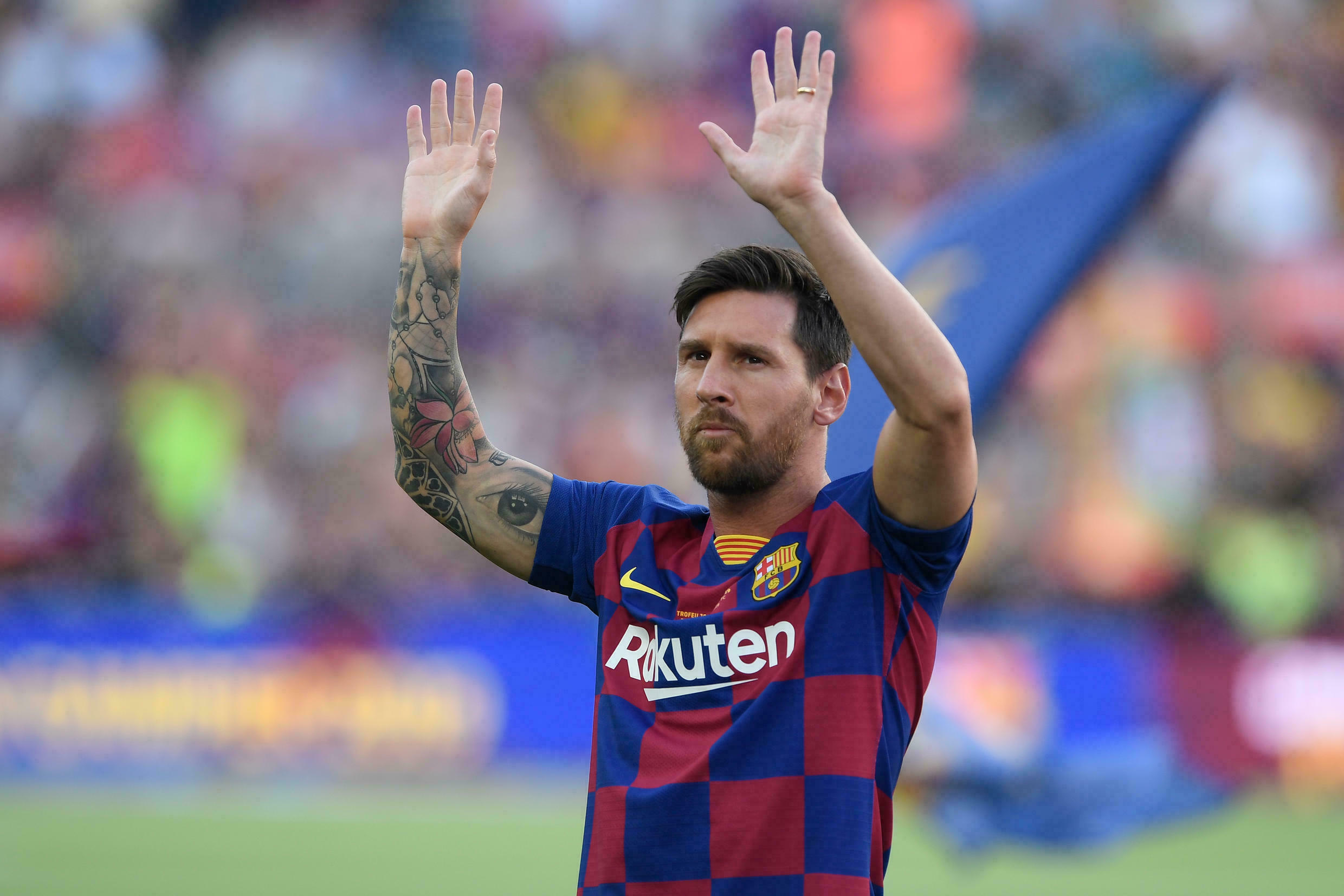 Departing Messi to give press conference Today