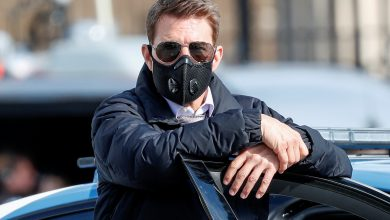 Tom Cruise shows off latest daredevil 'Mission: Impossible' stunt