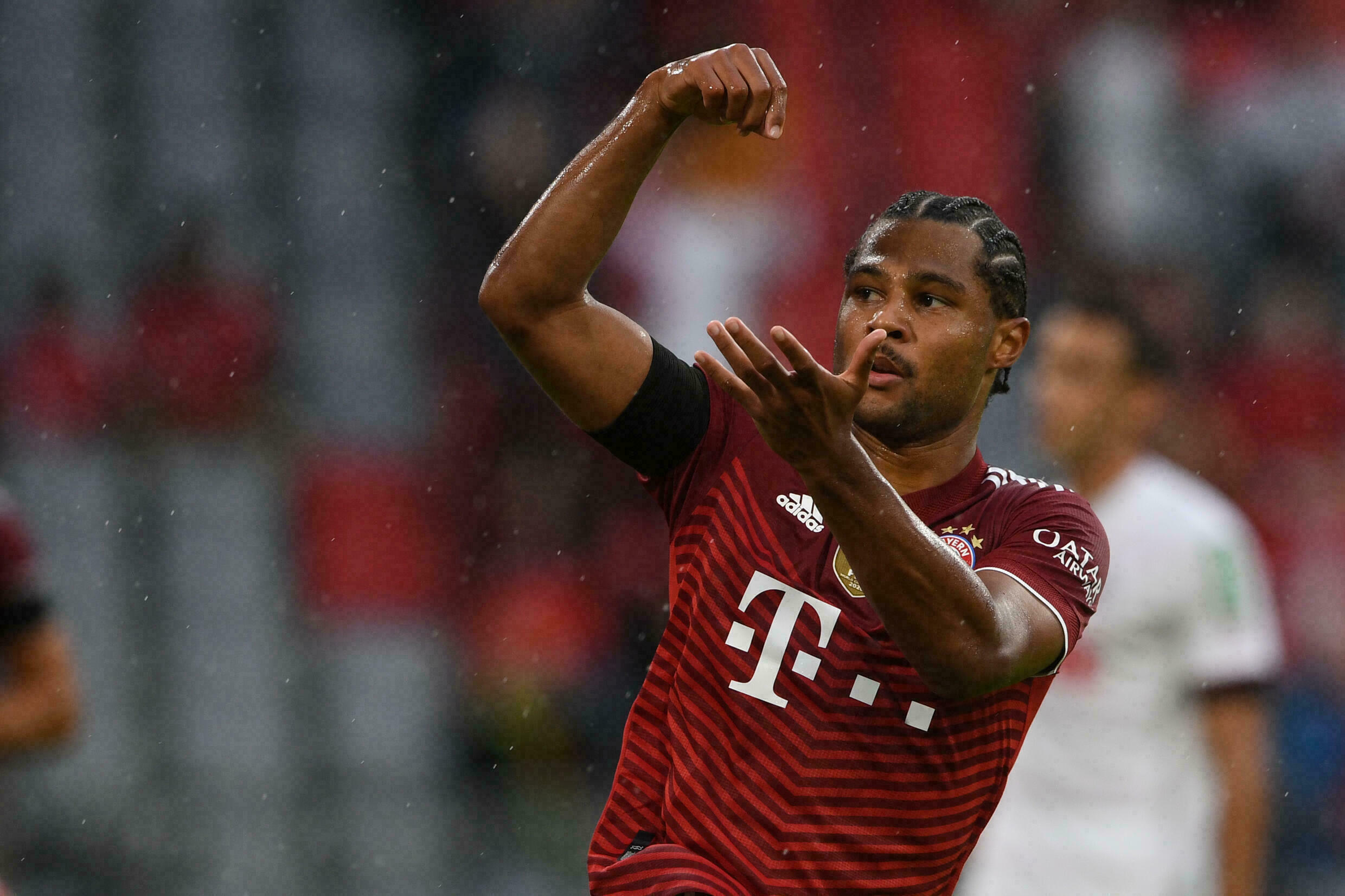 Gnabry scores twice as Bayern Munich squeeze past Cologne