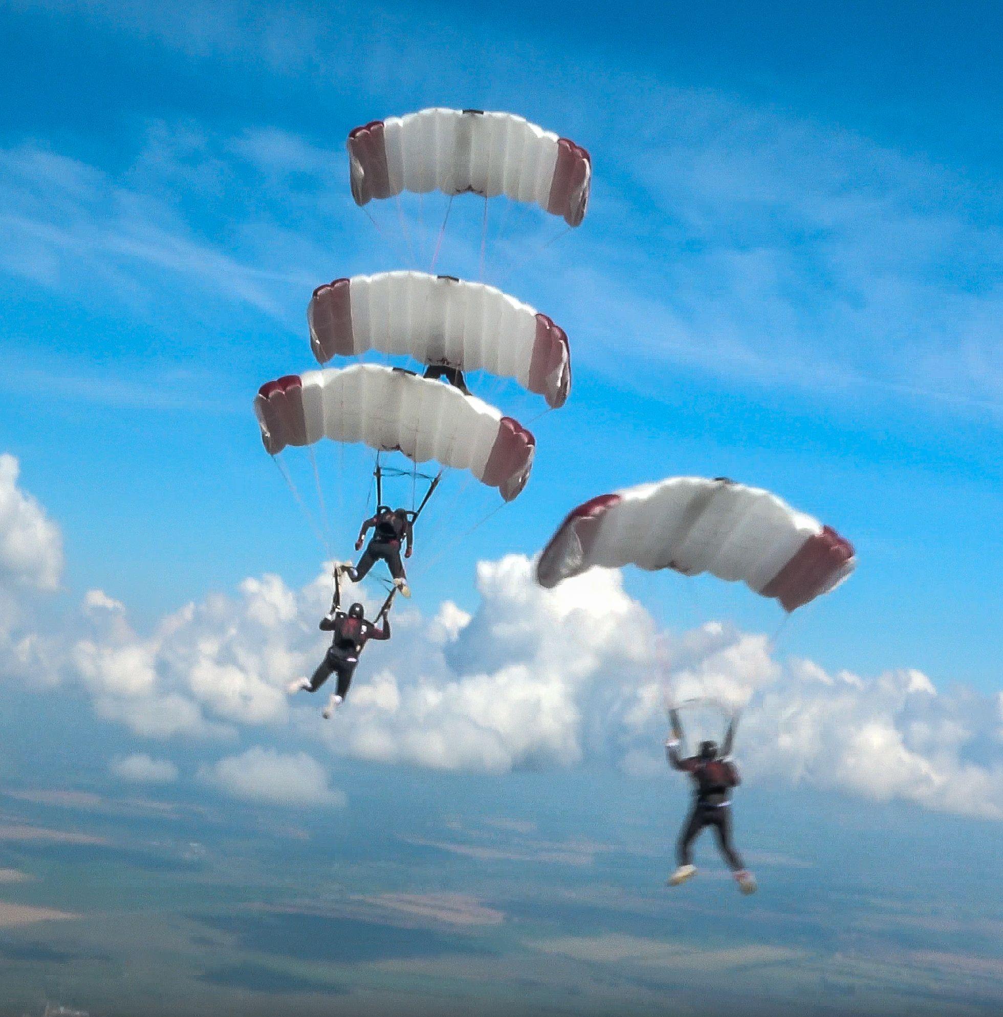 Qatar Takes Gold in World Parachuting Championships Quadruple Event