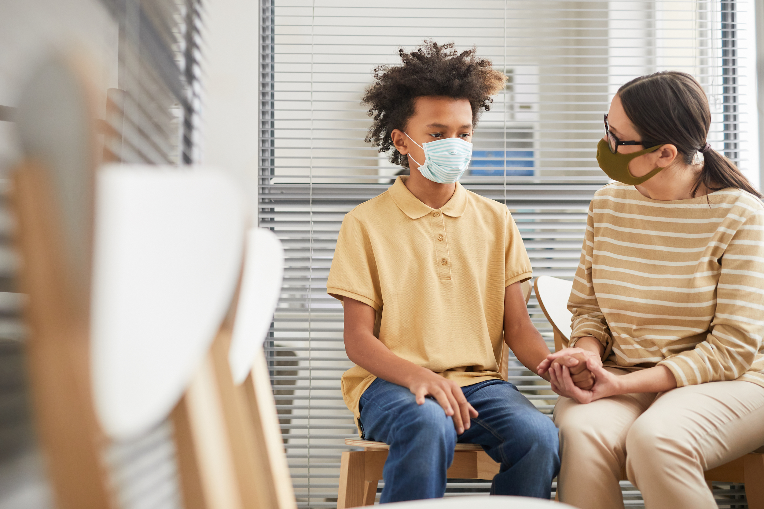 An Unvaccinated U.S. Teacher took off mask for read-aloud and infected half the class with COVID-19