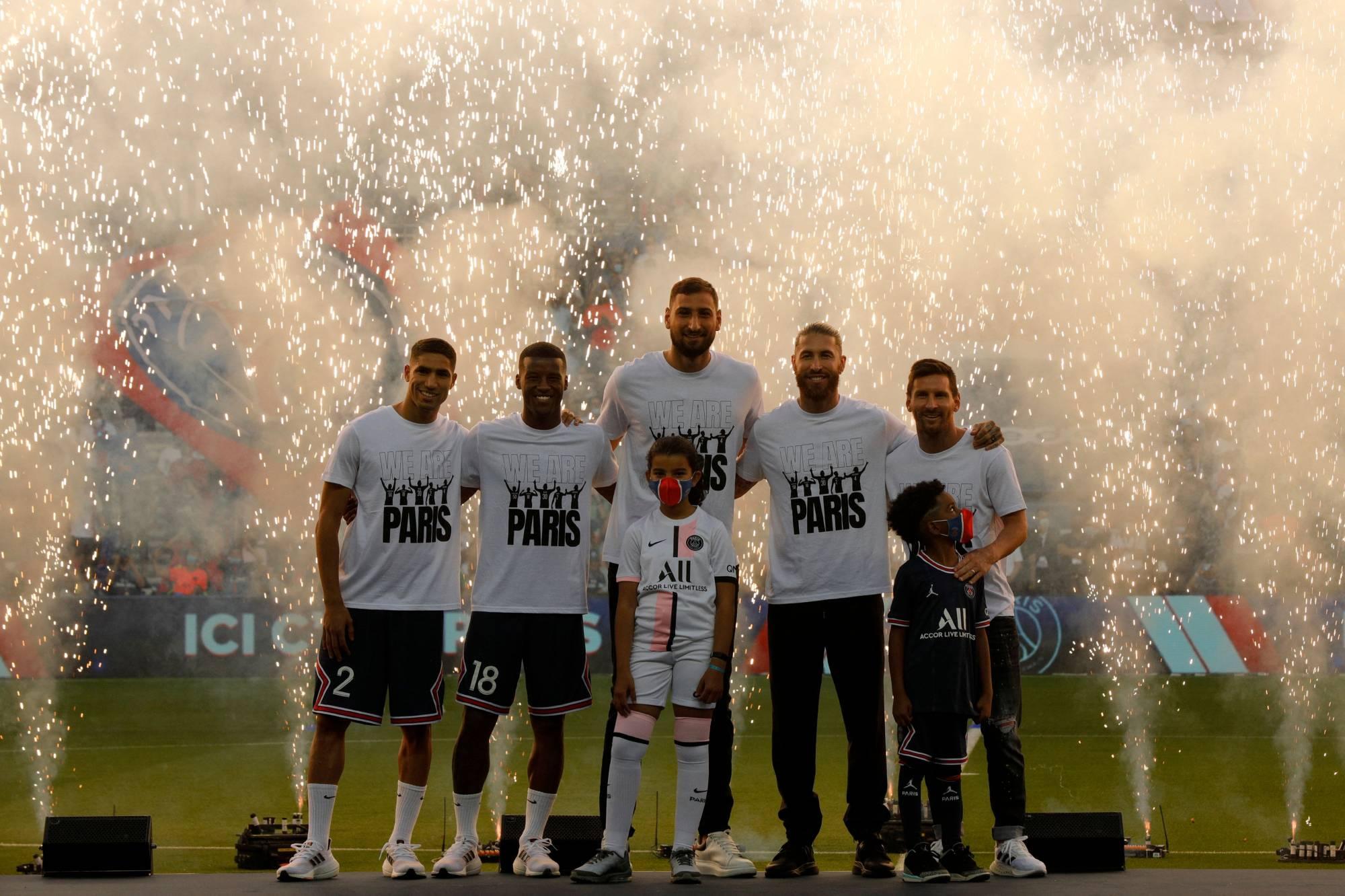 Messi gets rapturous reception before PSG beat Strasbourg
