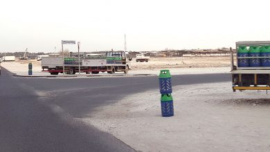 Placing gas cylinders on streets; a dangerous behavior
