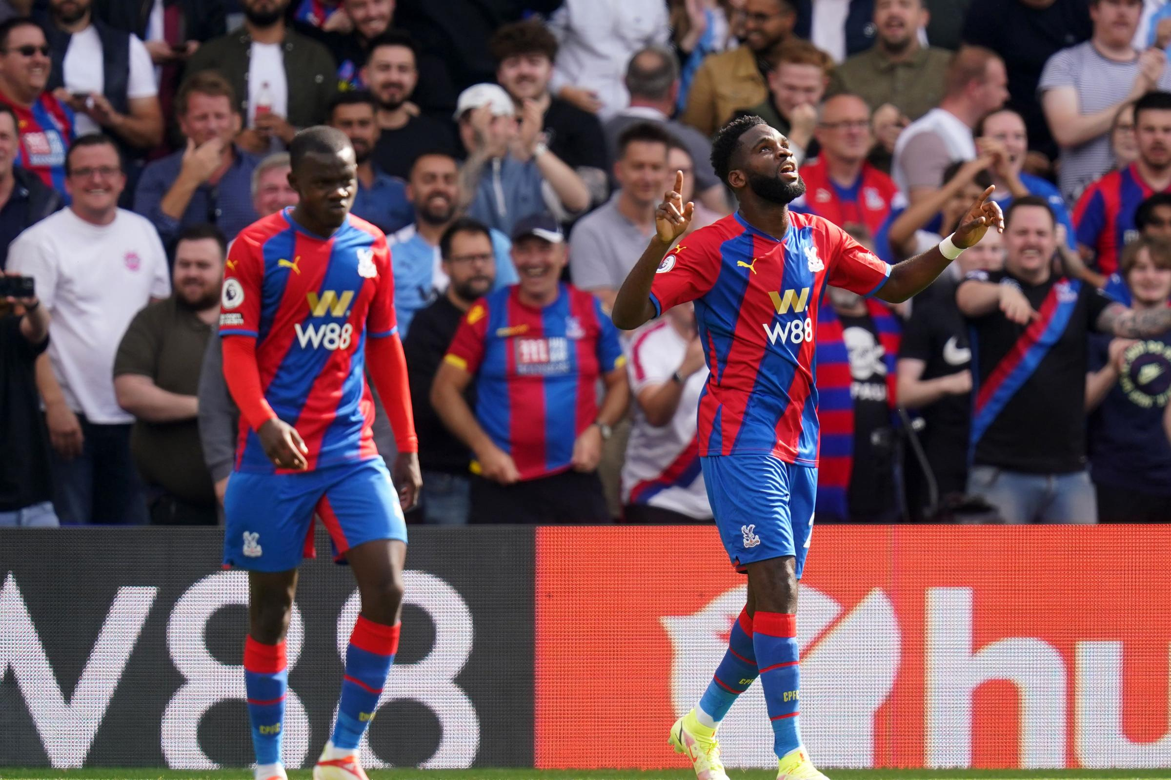 Tottenham loses perfect record in EPL in 3-0 loss at Palace