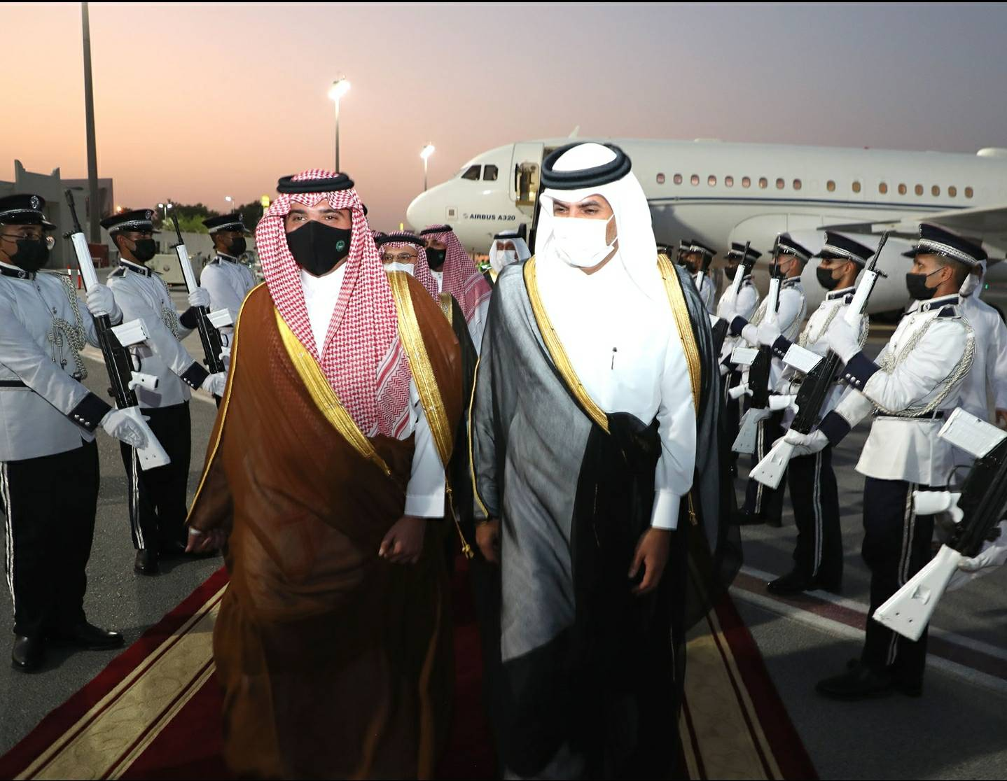 Prime Minister Hosts Dinner Banquet in Honor of Saudi Interior Minister