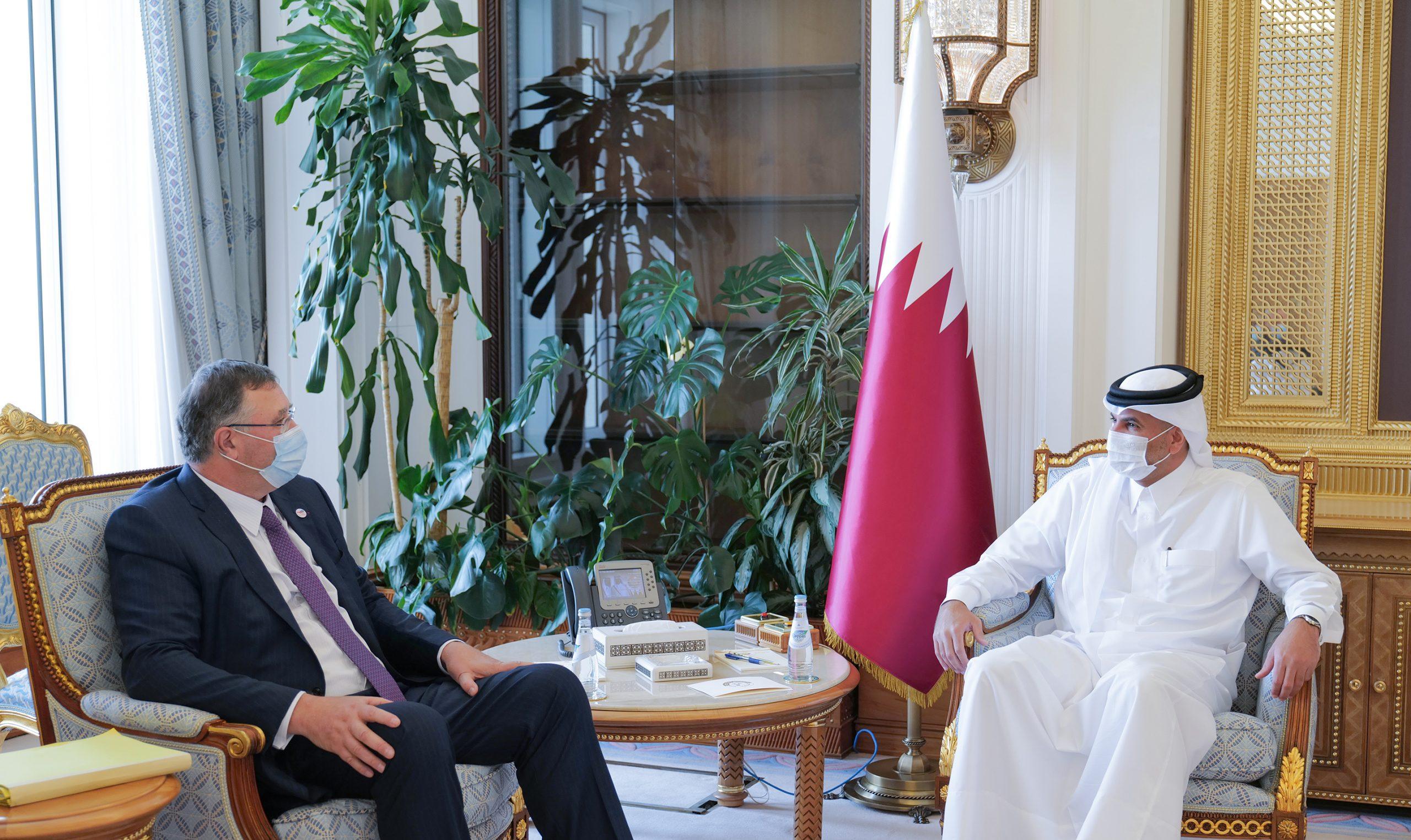 Prime Minister Meets Delegation Members of Qadran Association