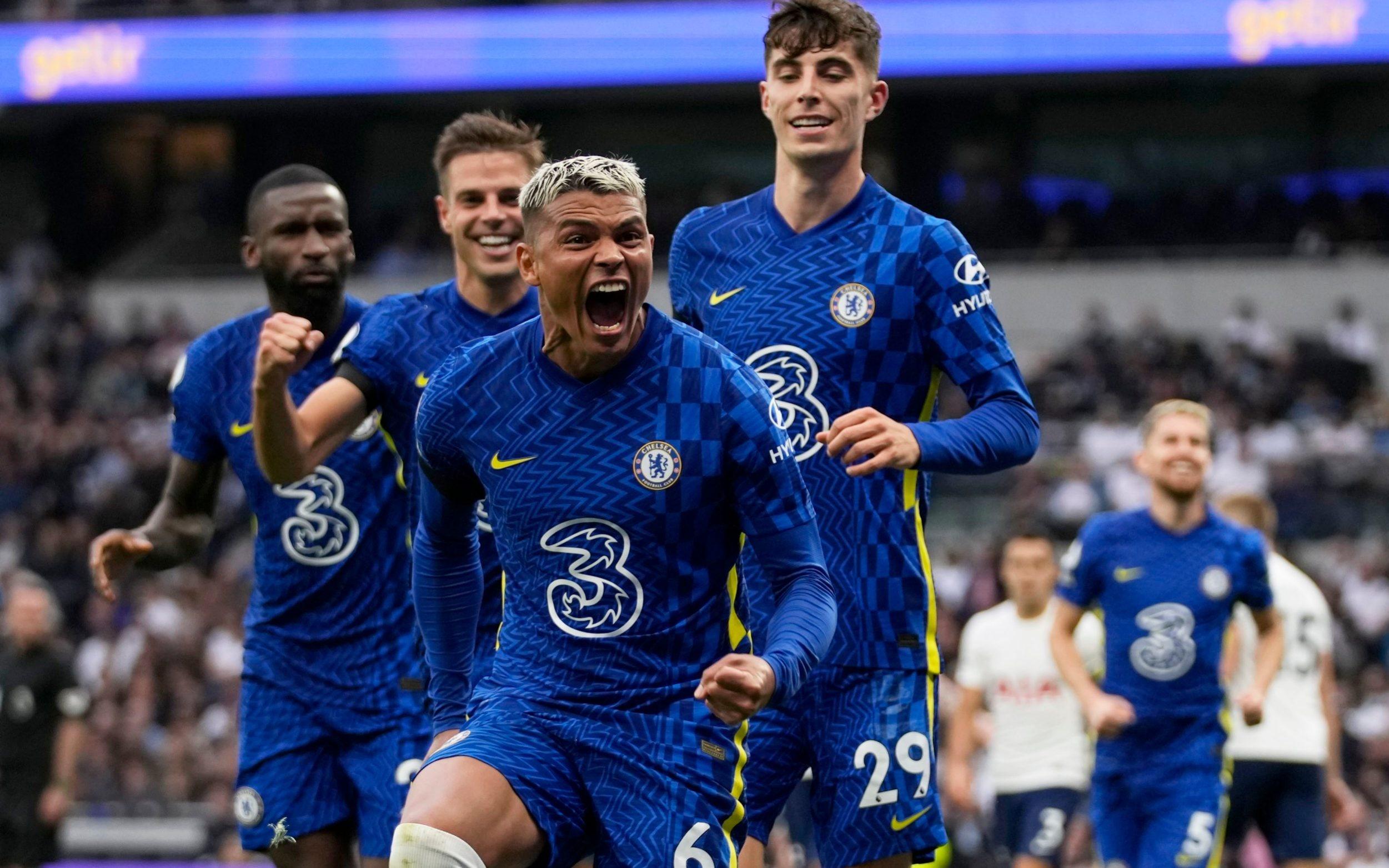 Classy Chelsea crush Tottenham to go joint top