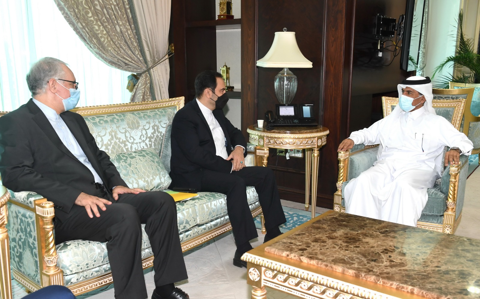 Al Hammadi Meets Iranian Deputy Foreign Minister for Consular Affairs