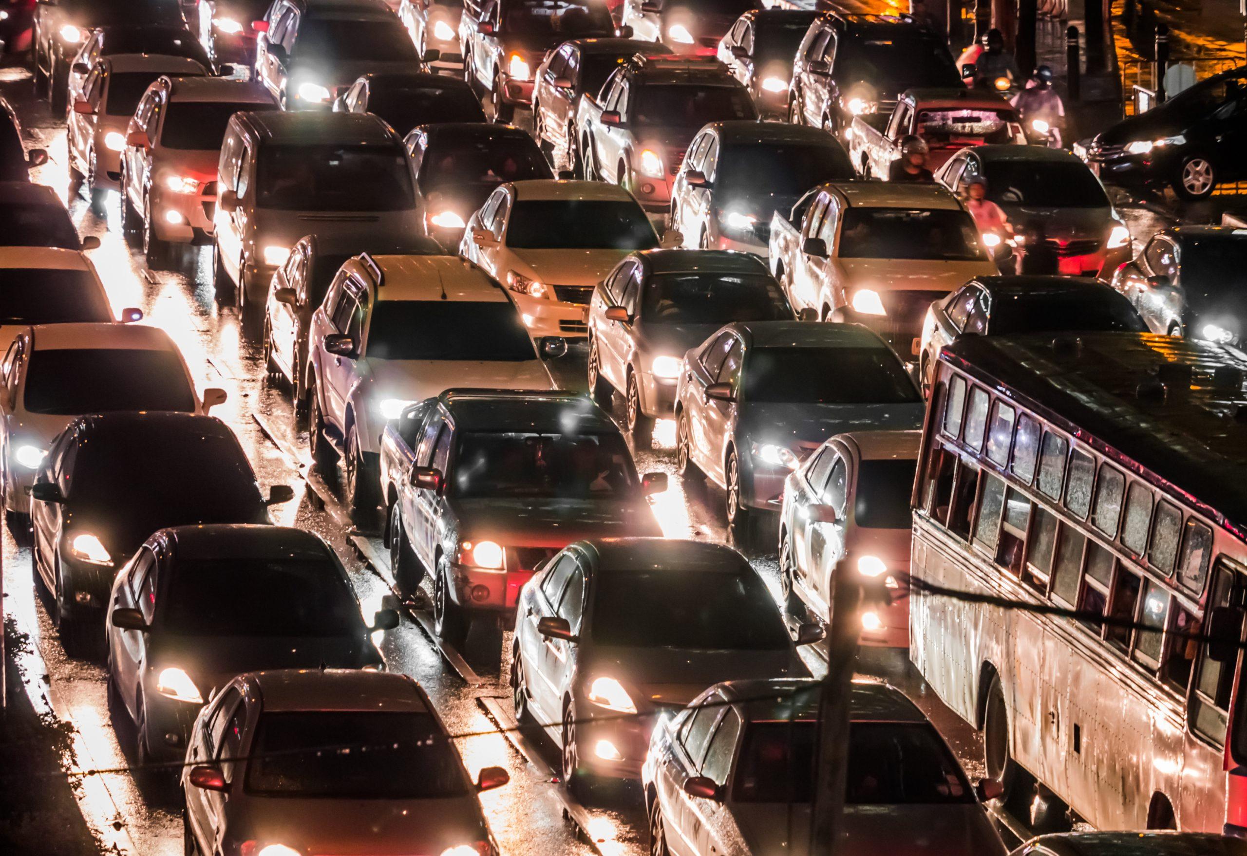 Motorists urged to use apps to avoid congested roads