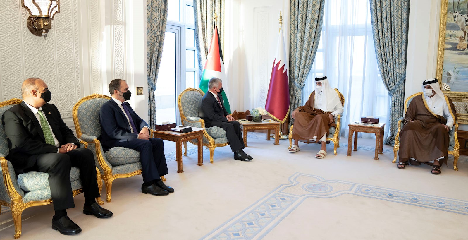 HH the Amir, King of Jordan Hold Official Talks Session
