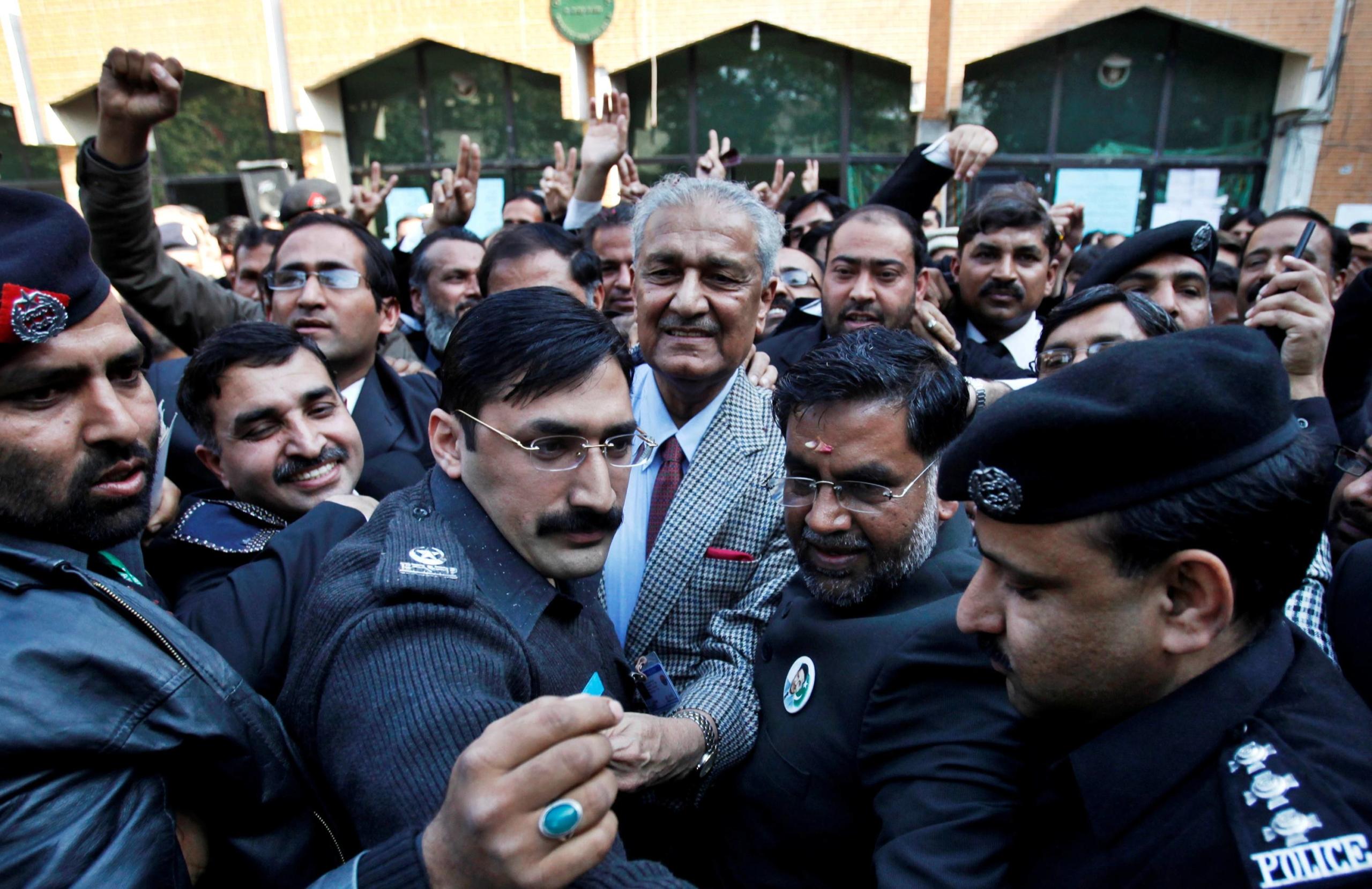 Pakistani Nuclear Scientist Abdul Qadeer Khan Dies at 85
